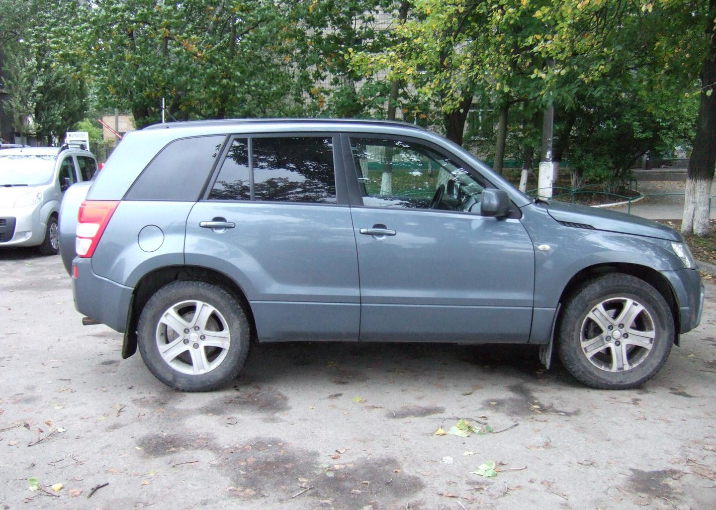 Suzuki Grand Vitara 5dr (2005) 2.0 AT [вер. 2]